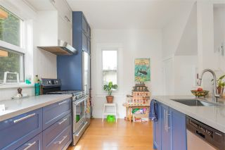 """Photo 5: 297 E 17TH Avenue in Vancouver: Main House for sale in """"MAIN STREET"""" (Vancouver East)  : MLS®# R2554778"""