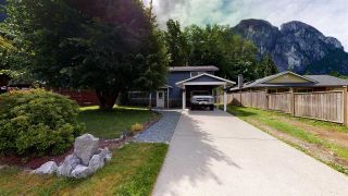 Photo 2: 38132 GUILFORD Drive in Squamish: Valleycliffe House for sale : MLS®# R2591319