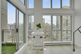 "Photo 3: 1606 1238 RICHARDS Street in Vancouver: Yaletown Condo for sale in ""Metropolis"" (Vancouver West)  : MLS®# R2539296"
