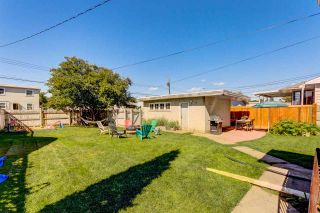 Photo 2: 12232 Dovercourt Crescent NW in Edmonton: Zone 04 House for sale : MLS®# E4235853