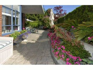 "Photo 1: # 101 1725 BALSAM ST in Vancouver: Kitsilano Condo for sale in ""BALSAM HOUSE"" (Vancouver West)  : MLS®# V968732"