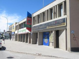 Main Photo: 1364 Main Street in Winnipeg: Industrial / Commercial / Investment for sale (4C)  : MLS®# 202115883