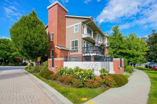 """Photo 2: 8 19505 68A Avenue in Surrey: Clayton Townhouse for sale in """"Clayton Rise"""" (Cloverdale)  : MLS®# R2590562"""