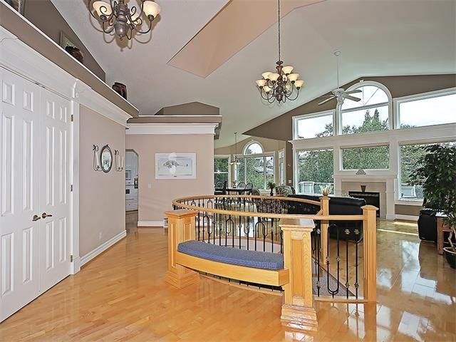 Photo 3: Photos: 315 MT DOUGLAS Court SE in Calgary: McKenzie Lake House for sale : MLS®# C4068873