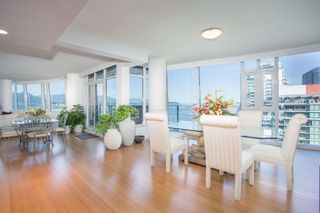 """Photo 4: SPH2502 1233 W CORDOVA Street in Vancouver: Coal Harbour Condo for sale in """"CARINA - COAL HARBOUR"""" (Vancouver West)  : MLS®# R2619427"""