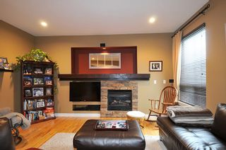 """Photo 8: 11735 GILLAND Loop in Maple Ridge: Cottonwood MR House for sale in """"RICHMOND HILL"""" : MLS®# R2027944"""