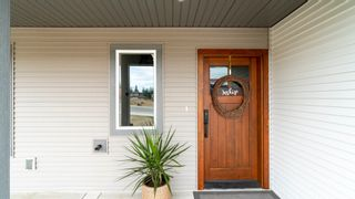 Photo 2: 2140 Southeast 15 Avenue in Salmon Arm: HILLCREST House for sale (SE SALMON ARM)  : MLS®# 10235702