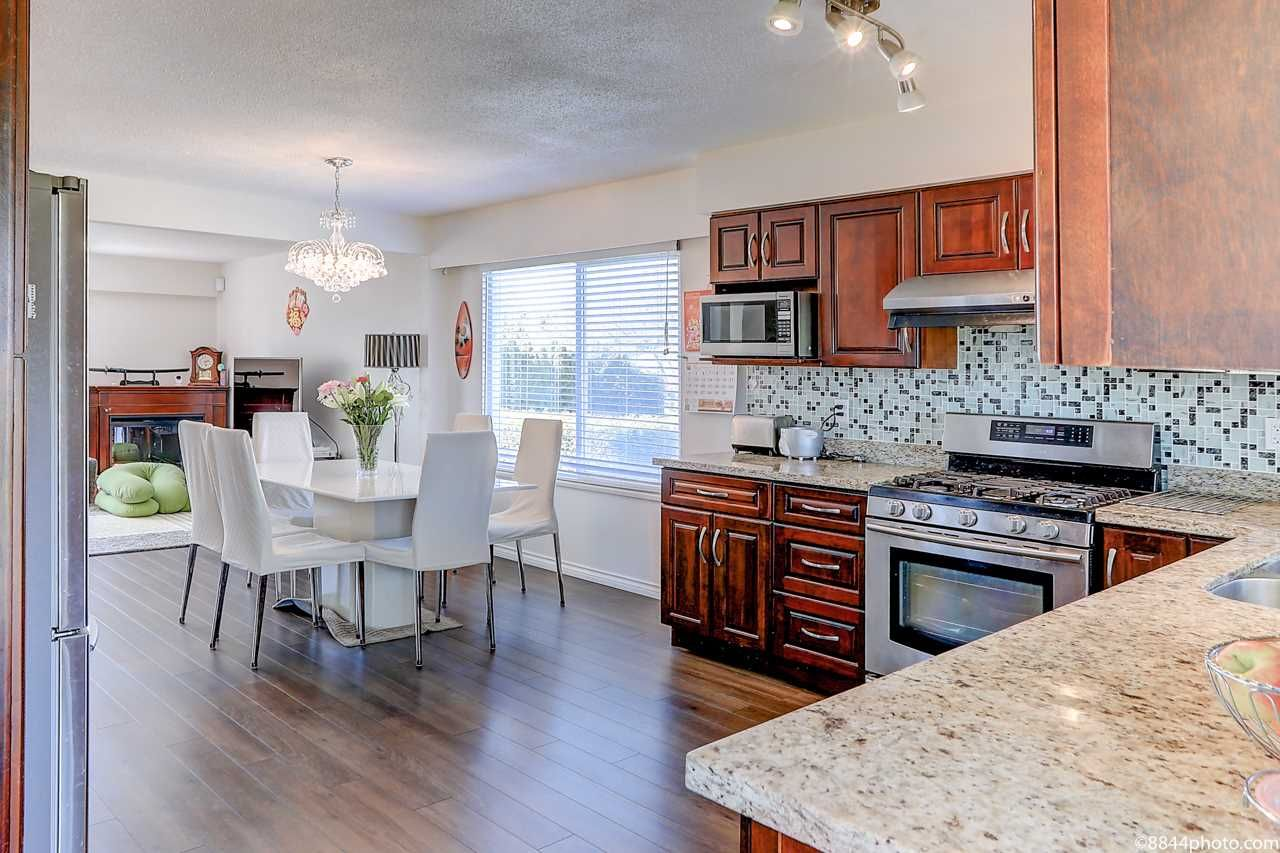 Main Photo: 6760 GOLDSMITH Drive in Richmond: Woodwards House for sale : MLS®# R2566636