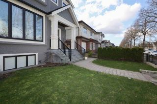 Photo 2: 2254 E 45TH Avenue in Vancouver: Killarney VE House for sale (Vancouver East)  : MLS®# R2605711
