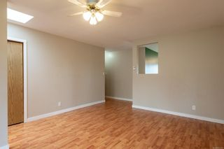 Photo 5: 910 Hemlock St in : CR Campbell River Central House for sale (Campbell River)  : MLS®# 869360