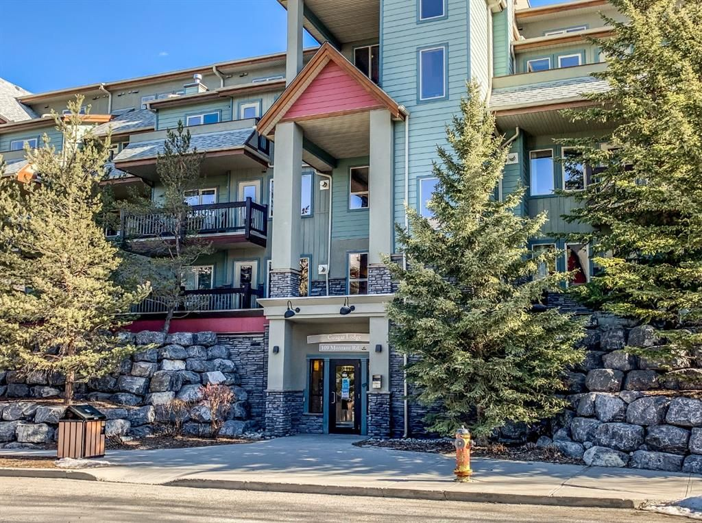Main Photo: 105 109 Montane Road: Canmore Apartment for sale : MLS®# A1142485