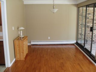"""Photo 3: 212 1437 FOSTER Street: White Rock Condo for sale in """"WEDGEWOOD"""" (South Surrey White Rock)  : MLS®# F1401129"""