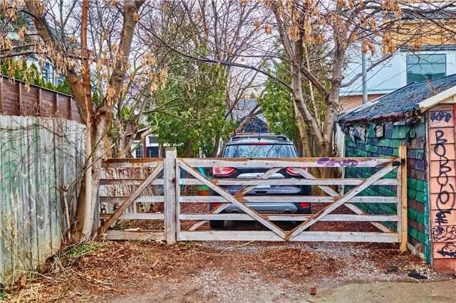 Photo 18: Photos: 50 Lippincott Street in Toronto: Kensington-Chinatown House (Bungalow) for sale (Toronto C01)  : MLS®# C4106394