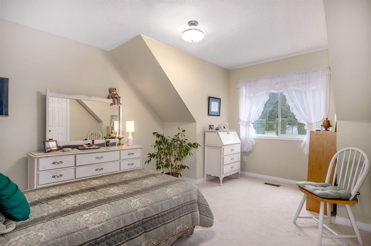 Photo 15: Photos: 16953 31 AVENUE in Surrey: Grandview Surrey House for sale (South Surrey White Rock)  : MLS®# R2157307