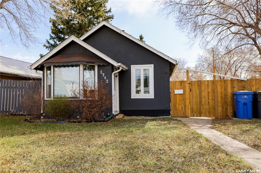 Main Photo: 1742 103rd Street in North Battleford: Sapp Valley Residential for sale : MLS®# SK851078