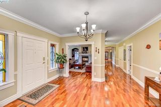 Photo 9: 814 Royal Oak Ave in VICTORIA: SE Broadmead House for sale (Saanich East)  : MLS®# 778638