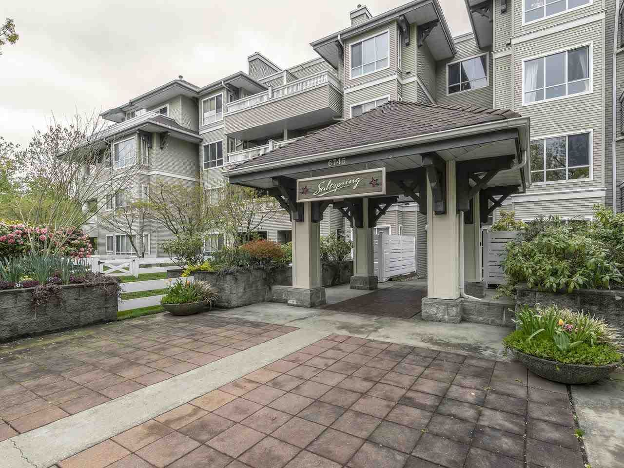 Main Photo: 404 6745 STATION HILL COURT in Burnaby: South Slope Condo for sale (Burnaby South)  : MLS®# R2445660