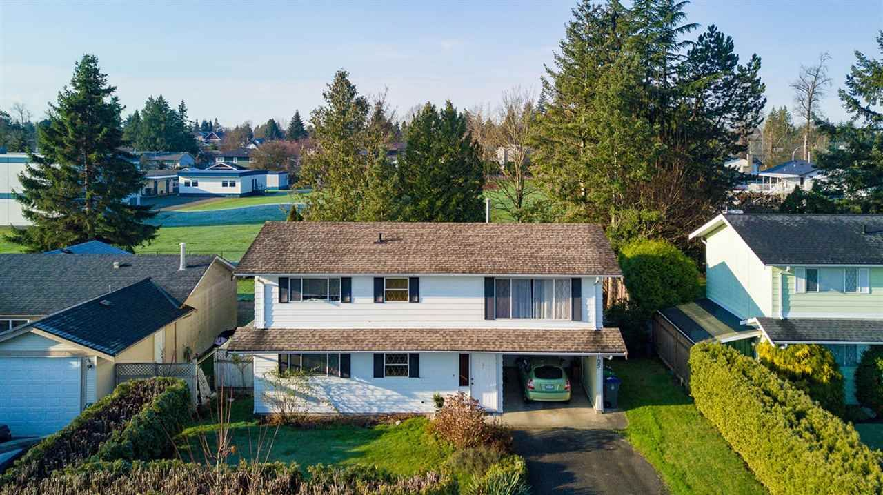 """Main Photo: 6105 175A Street in Surrey: Cloverdale BC House for sale in """"Cloverdale"""" (Cloverdale)  : MLS®# R2230143"""