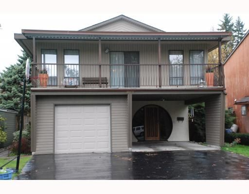 """Main Photo: 3267 SAMUELS Court in Coquitlam: New Horizons House for sale in """"NEW HORIZONS"""" : MLS®# V796976"""