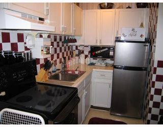 """Photo 5: 207 331 KNOX Street in New Westminster: Sapperton Condo for sale in """"WESTMOUNT ARMS"""" : MLS®# V798218"""