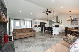 Photo 12: 22 Deer Bay in Grunthal: R16 Residential for sale : MLS®# 202117046