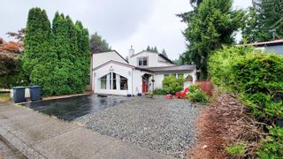 Photo 3: 3234 MAYNE CRESCENT in Coquitlam: New Horizons House for sale : MLS®# R2613688