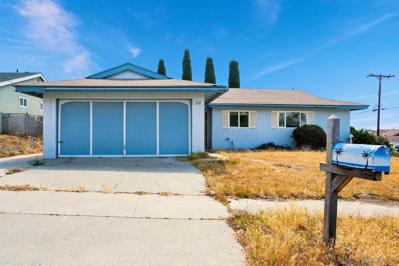 Main Photo: OCEANSIDE House for sale : 4 bedrooms : 3132 Glenn Rd