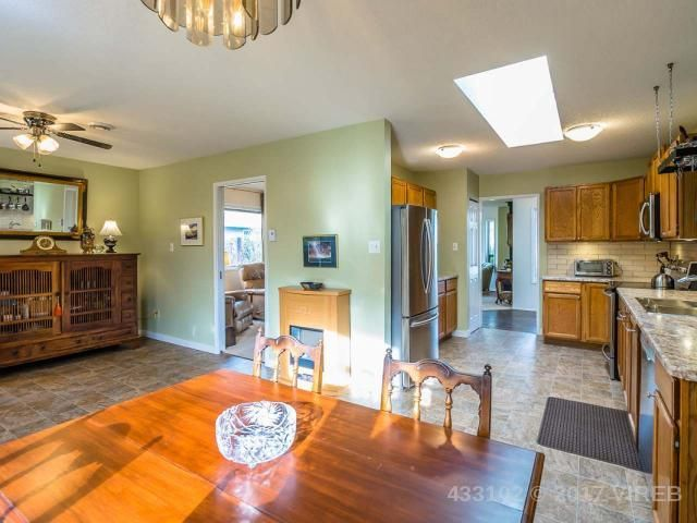 Photo 3: Photos: 1306 BOULTBEE DRIVE in FRENCH CREEK: Z5 French Creek House for sale (Zone 5 - Parksville/Qualicum)  : MLS®# 433102