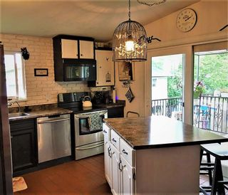 Photo 2: 1917 WILTSHIRE Avenue in Coquitlam: Cape Horn House for sale : MLS®# R2371481