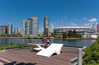 """Photo 32: 193 WALTER HARDWICK Avenue in Vancouver: False Creek Condo for sale in """"BRIDGE"""" (Vancouver West)  : MLS®# R2512536"""