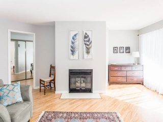 """Photo 16: 3209 33 CHESTERFIELD Place in North Vancouver: Lower Lonsdale Condo for sale in """"HARBOURVIEW PARK"""" : MLS®# R2008580"""