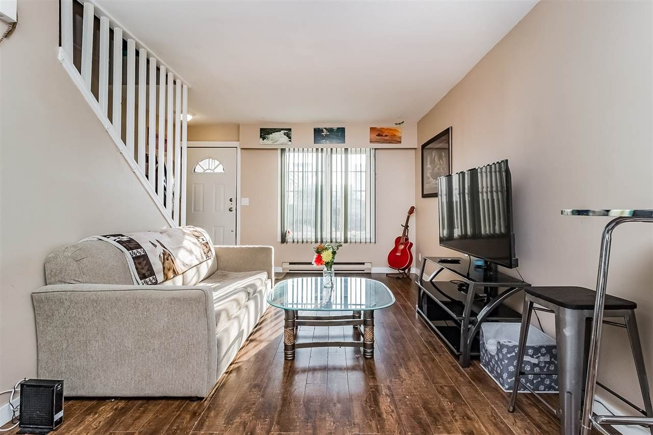 """Main Photo: 16 45882 CHEAM Avenue in Chilliwack: Chilliwack W Young-Well Townhouse for sale in """"CEDAR COURT"""" : MLS®# R2304058"""