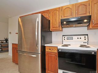 Photo 7: 423 Creed Pl in View Royal: VR Hospital House for sale : MLS®# 619958