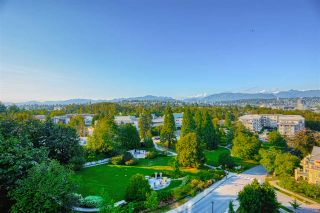 "Photo 5: 1202 280 ROSS Drive in New Westminster: Fraserview NW Condo for sale in ""The Carlyle"" : MLS®# R2396887"
