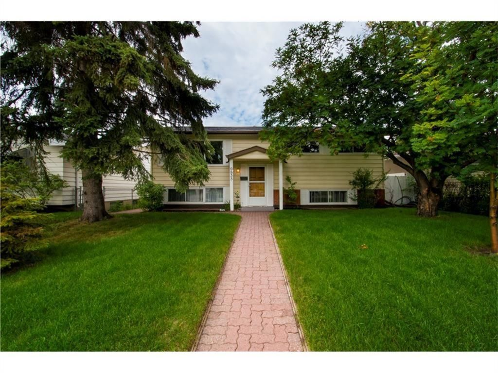Main Photo: 9835 7 Street SE in Calgary: Acadia Detached for sale : MLS®# A1088901