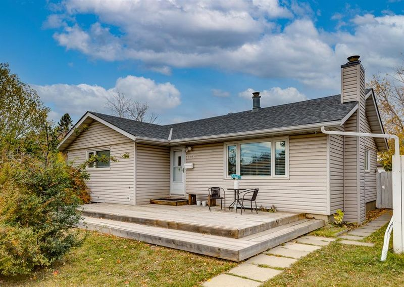 FEATURED LISTING: 4528 Forman Crescent Southeast Calgary