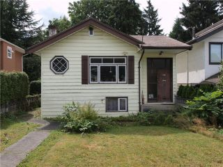 Main Photo: 319 W 20TH Street in North Vancouver: Central Lonsdale House for sale : MLS®# V968315