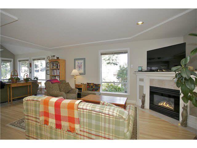 Photo 6: Photos: 14012 COLDICUTT Avenue: White Rock House for sale (South Surrey White Rock)  : MLS®# F1451146
