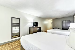 Photo 14: Exclusive Hotel/Motel with property: Business with Property for sale