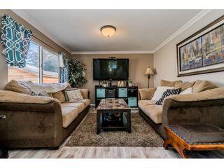 Photo 3: 31575 OAKRIDGE Crescent in Abbotsford: Poplar House for sale : MLS®# R2394369