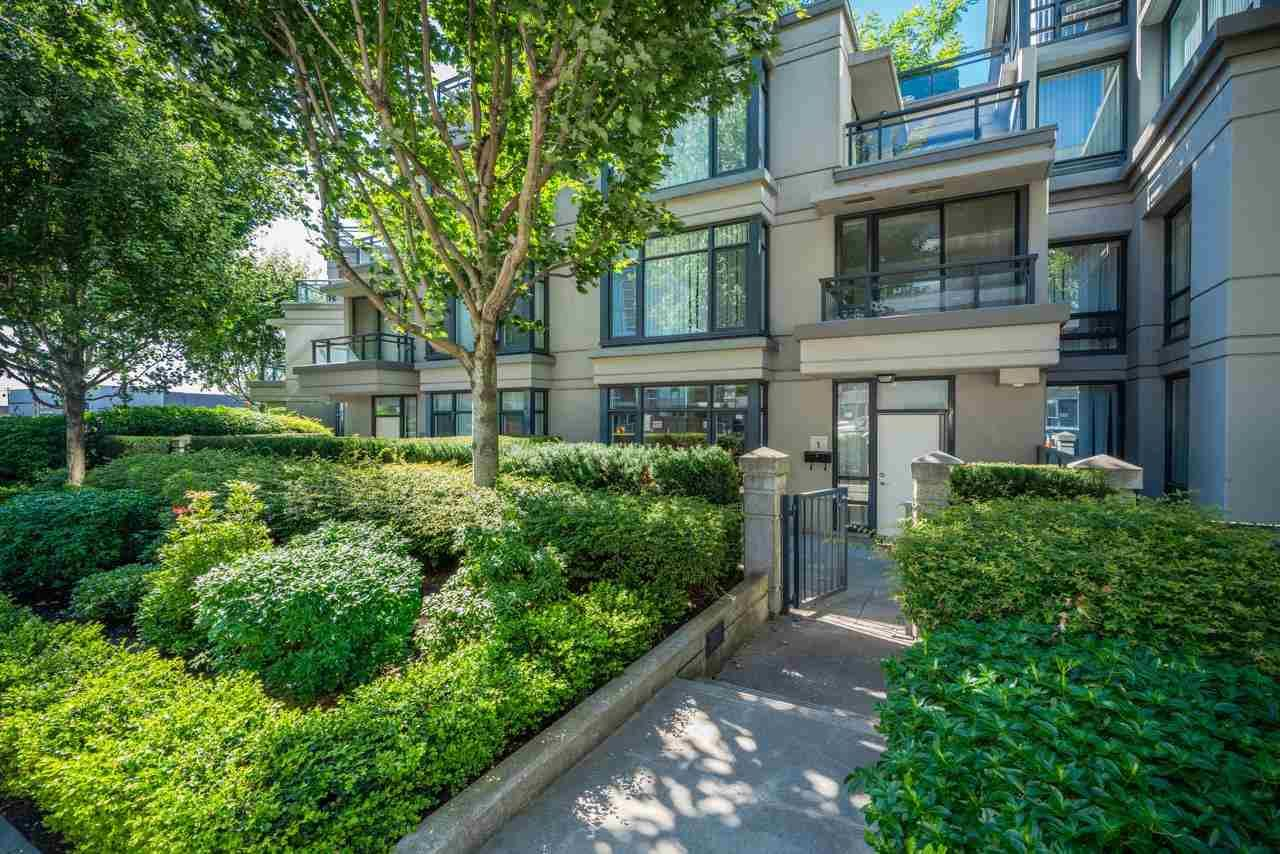 Main Photo: 1 3111 CORVETTE Way in Richmond: West Cambie Townhouse for sale : MLS®# R2576093