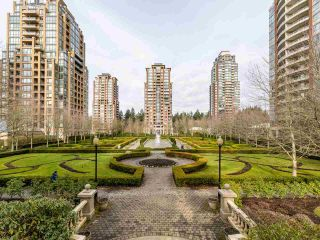 """Photo 2: 1804 6838 STATION HILL Drive in Burnaby: South Slope Condo for sale in """"THE BELGRAVIA"""" (Burnaby South)  : MLS®# R2544258"""