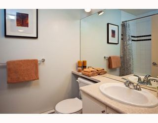 Photo 9: 889 PRIOR Street in Vancouver: Mount Pleasant VE 1/2 Duplex for sale (Vancouver East)  : MLS®# V812016