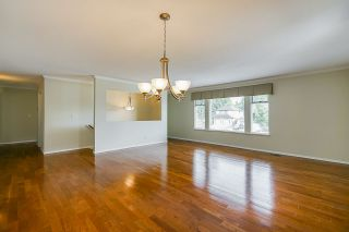 """Photo 2: 6165 NORTHPARK Place in Surrey: Panorama Ridge House for sale in """"Boundary Park"""" : MLS®# R2381145"""