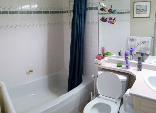"""Photo 9: 202 7435 121A Street in Surrey: West Newton Condo for sale in """"STRAWBERRY HILL ESTATES II"""" : MLS®# R2170697"""