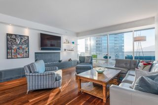 """Photo 9: 3706 1011 W CORDOVA Street in Vancouver: Coal Harbour Condo for sale in """"Fairmont Residences"""" (Vancouver West)  : MLS®# R2597737"""