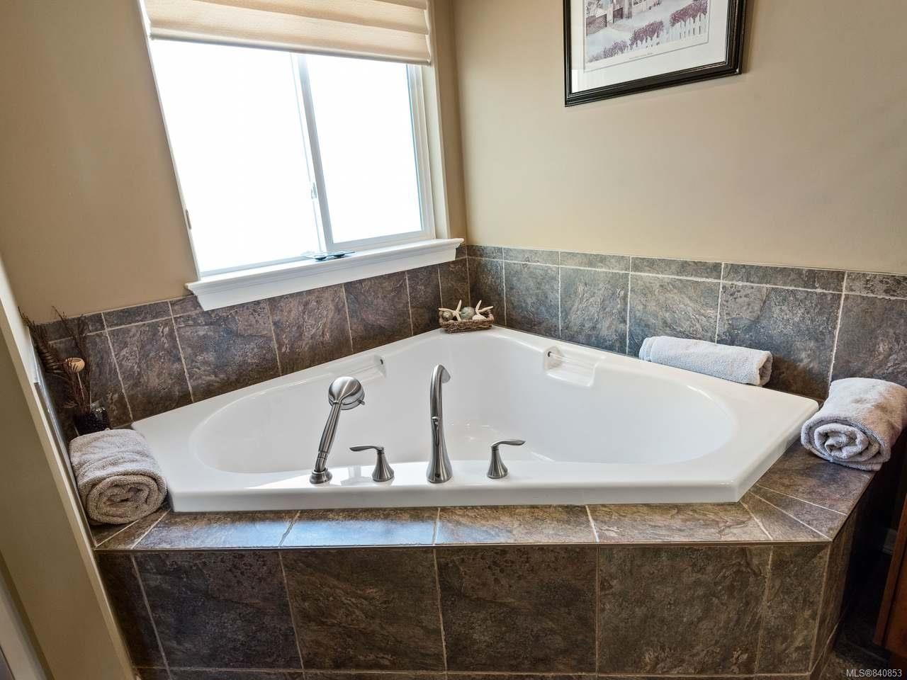 Photo 49: Photos: 206 Marie Pl in CAMPBELL RIVER: CR Willow Point House for sale (Campbell River)  : MLS®# 840853