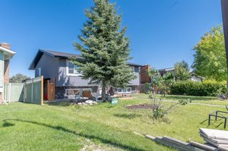 Photo 2: 280 Rundlefield Road NE in Calgary: Rundle Detached for sale : MLS®# A1142021