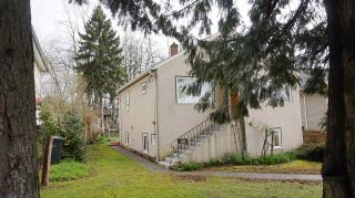 Photo 9: 210 BERNATCHEY Street in Coquitlam: Coquitlam West House for sale : MLS®# R2041025