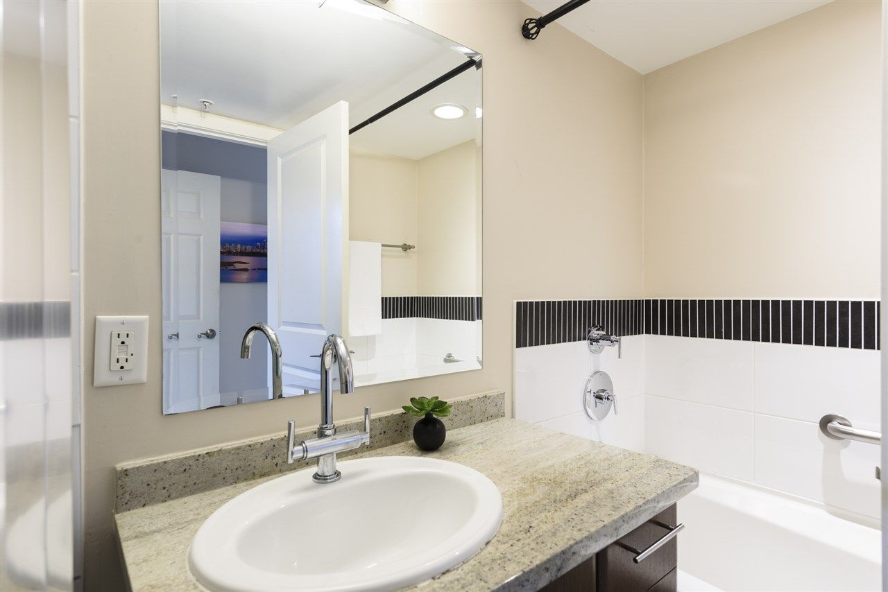 Photo 16: Photos: 1644 W 7TH AVENUE in Vancouver: Fairview VW Townhouse for sale (Vancouver West)  : MLS®# R2543861